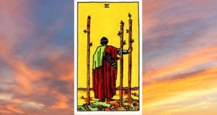 Carta Tarot Tres de Bastos - Arcanos Menores– Significado